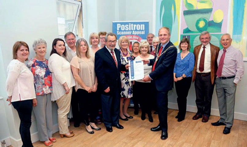 Mayor-of-Bath-presents-certificates